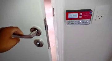 ac-1000-puerta