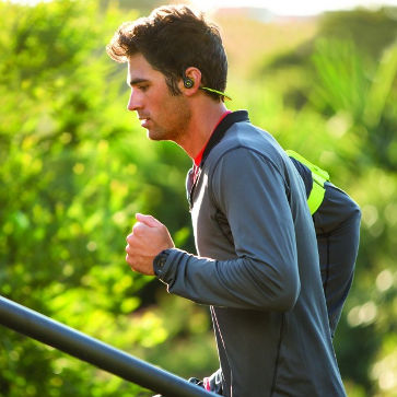 backbeat_fit_male_running